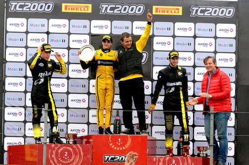 Manuel Luque volvió a celebrar en TC2000